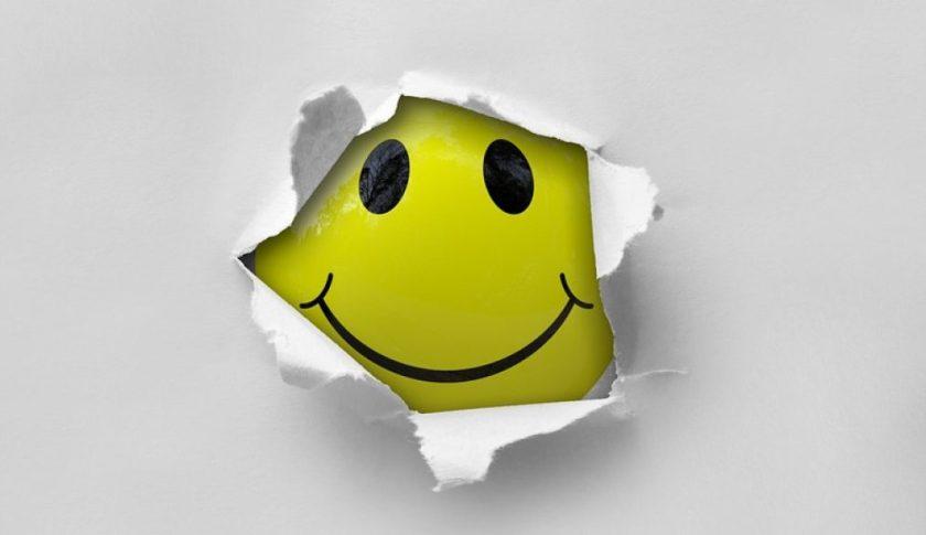 smiley-2055680_960_720-1014x586